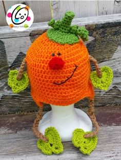 Patrick Pumpkin Hat - Free Crochet Pattern by Featured at Snappy Tots - Sponsor Spotlight Round Up via Chat Crochet, Crochet Kids Hats, Crochet Fall, Halloween Crochet, Holiday Crochet, Crochet Beanie, Crochet Crafts, Crochet Projects, Free Crochet