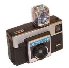 My childhood! Kodak Instamatic Camera with disposable flash cube and cartridge film. My Childhood Memories, Great Memories, School Memories, Childhood Toys, Vintage Toys, Retro Vintage, Vintage Stuff, Instamatic Camera, Vintage Cameras
