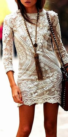 lace boho chic mini dress with gypsy style long tassel necklace & modern hippie studded leather purse. For the BEST Bohemian fashion trends Looks Street Style, Looks Style, Looks Cool, Hippie Look, Look Boho, Modern Hippie, Mode Outfits, Dress Outfits, Look Fashion