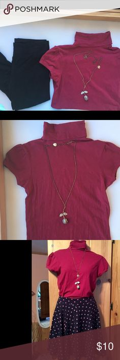 Size S Vanity maroon turtleneck tee Solid maroon colored turtleneck with short sleeves. Looks cute with a skirt, leggings or jeans. Bundle to save! 💗 Vanity Tops