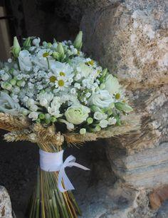 Ανθοπωλείο S. Kokkinos   Στολισμός Γάμου   Στολισμός Εκκλησίας   Αποστολή Λουλουδιών   Διακόσμηση Βάπτισης   Στολισμός Βάπτισης   Γάμος σε Νησί - στην Παραλία - στην Κρήτη - νυφικά μπουκέτα White Wedding Flowers, Bridal Flowers, White Flowers, Floral Centerpieces, Floral Arrangements, Wheat Wedding, Cut Flower Garden, Rustic Bouquet, Bride Bouquets