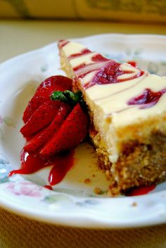 Life Tastes Good: Strawberry Cheesecake #dessert #holiday