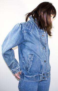 Vintage Denim Jacket   80s Jean Jacket   Quilted Shoulders   Medium $29