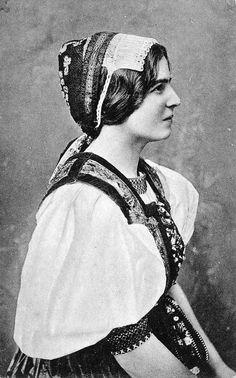 Slovak women wearing traditional dresses - kroj on pre-great war photographs by Pavol Socháň.