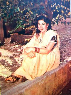 A very rare picture of Madhubala in color - Photo Courtesy of Sudarshan Talwar