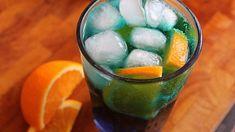 Spritz blu ricetta: come preparare il cocktail a base di vino e Blue Curacao