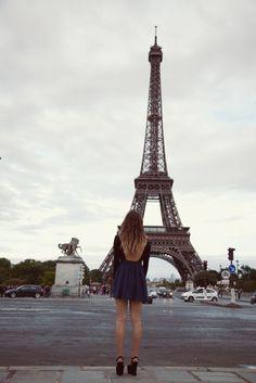 J'aime les Tiwer Eiffel à Paris! (I love the Eiffel Tower in Paris! Oh Paris, Paris Love, Paris Girl, Paris Style, Oh The Places You'll Go, Places To Visit, Travel Around The World, Around The Worlds, Paris Torre Eiffel