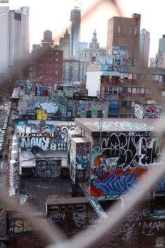 Graffiti art , street art , Urban art art Life style by urbanNYCdesigns Street Art Graffiti, New York Graffiti, Graffiti Artists, Graffiti Photography, Urban Photography, Street Photography, Guzma Pokemon, Hip Hop Art, City Aesthetic