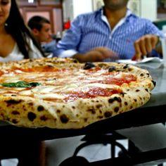 the best pizza in Italy - Naples: L'Antica Pizzeria da Michele