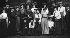 The sixteen women who reported on the St Louis World's Fair in 1904 andcreated the Canadian Women's Press Club (CWPC)