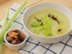 Polévka z řapíkatého celeru Hummus, Ethnic Recipes, Soups, Food, Soup, Meals, Soup Appetizers, Yemek, Eten