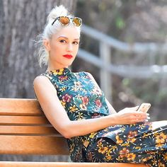 Gwen Stefani Has a New Makeup Collab With Urban Decay: Lipstick.com.  LOVE HER!