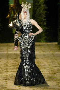 Christian Dior Geniuses and Villains. Discussion on LiveInternet - Russian Service Online Diaries
