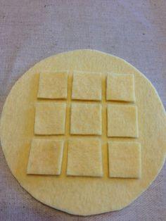 円形1枚9つの正方形を作り位置を決める。