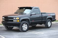 i have a 92 sport 1500 and mines a 305 5 speed. Chevy Stepside, Chevy 4x4, Chevy Pickups, Chevrolet Trucks, Chevrolet Silverado, Obs Truck, Gm Trucks, Pickup Trucks, Chevy Girl