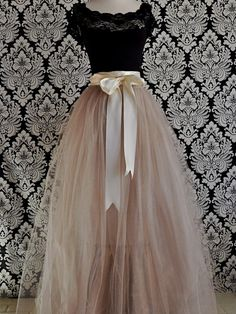 full tulle skirt: wish I had somewhere to wear something like this!  Oh, and wish I could wear it  without looking like a blimp!