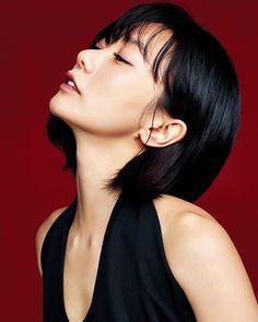 """cruzmylene: """"Doona Bae in Harper's Bazaar for Giorgio Armani Beauty. Beauty Makeup, Hair Makeup, Hair Beauty, Kdrama, Bae, Giorgio Armani Beauty, Face Expressions, Korean Celebrities, Harpers Bazaar"""