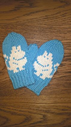 Knitting Patterns Gloves These mittens made a cousin for kids in Britain. They came out with surprise, so I was not sure . Crochet Baby Mittens, Knitted Mittens Pattern, Crochet Baby Blanket Beginner, Knitted Hats Kids, Crochet Baby Booties, Knit Mittens, Knitted Gloves, Knitting For Kids, Beginner Crochet