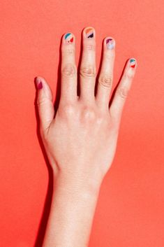 Sally Hansen nail art manicure We are want to say thanks if you like to share th… - Nageldesign Minimalist Nails, Minimalist Art, Nail Designs Spring, Cool Nail Designs, Uñas Sally Hansen, Gel Nagel Design, Manicure Y Pedicure, Nail Swag, Super Nails