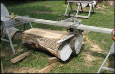 plans for alaskan chainsaw mill Lumber Mill, Wood Mill, Woodworking Jigs, Woodworking Projects, Chainsaw Mill Plans, Portable Saw Mill, Bandsaw Mill, Log Projects, Log Furniture