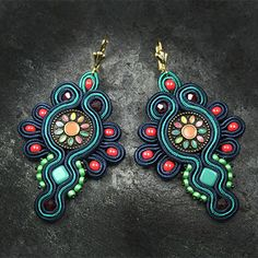 Djenka - biżuteria autorska sutasz i... przyjaciele Soutache Necklace, Tassel Earrings, Beaded Bracelets, Soutache Pattern, Polymer Clay Charms, Bead Weaving, Beautiful Earrings, Beaded Embroidery, Handmade Necklaces