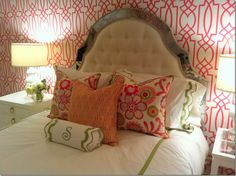And though Amy Howard concentrates on designing furniture for The Amy Howard Collection and giving teaching seminars for Amy Howard At Home, she still has time to decorate.  On Facebook, she recently posted this teenager's bedroom she had just installed and I can't resist showing it here.  Charming!!!  Notice the mirrored edge on the headboard.  Love the wallpaper and fabrics, too.