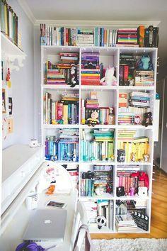 trendy home library ideas diy bookshelves house Bookshelf Organization, Home Office Organization, Organization Ideas, Bookshelf Styling, Bookshelf Ideas, Book Shelves, Tumblr Bookshelf, Tall Bookshelves, Library Bookshelves