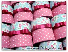 Latas Encapadas com Tecido Tin Can Crafts, Diy And Crafts, Arts And Crafts, 5th Birthday Party Ideas, Kids Party Themes, Recycling, Shaby Chic, Pig Party, Beauty Inside