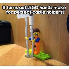 What can you do with Lego's…besides the obvious? You'll see why we are obsessed with these Lego hacks! Simple Life Hacks, Useful Life Hacks, Funny Life Hacks, Disney Life Hacks, Cool Hacks, Lifehacks, Legos, Deco Lego, Lego Hand
