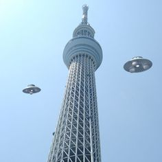 Skytree & UFO...When the Tokyo Sky Tree is completed, UFO came to scouting.