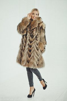 Raccoon Fur Coat for women - Long Winter Jacket - Vintage Fur Coat - Gift for her Winter Jackets Women, Coats For Women, Long Winter Jacket, Fur Clothing, Langer Mantel, Fabulous Furs, Vintage Fur, Fur Fashion, Fashion Trends