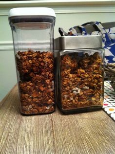 Yummiest Granola Ever 6 cups old fashioned oats cup coconut oil (or vege oil) cup honey cup brown sugar 2 tsp cinnamon 2 tsp vanilla dried fruit 325 for 25 minutes, stir after 15 min. Healthy Dishes, Healthy Treats, Healthy Recipes, Free Recipes, Best Granola, Granola Bars, Dessert Drinks, Desserts, Low Calorie Recipes