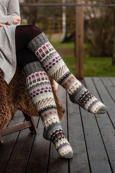 Sockor inspirerade av Anelmaiset Knitting Designs, Leg Warmers, Beanie, Cozy, Sewing, Crochet, Casual, Fabric, Accessories