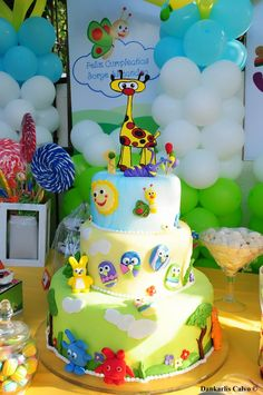 Baby tv cake 1st Birthday Parties, Birthday Cakes, Birthday Ideas, Baby Tv Cake, Harry The Bunny, Ema, Tv Themes, First Tv, Cake Decorating