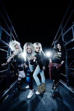 Crashdiet Glam Rock Bands, Rock Band Posters, Bret Michaels, Heavy Metal Music, Nikki Sixx, New Bands, Bon Jovi, Skyrim, Music Bands