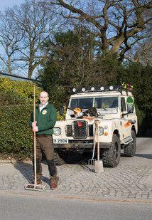 Neues Leben für Ihren Rasen  • Rasen Spezialist • Landschaftsgärtner  •  #rasen  •  #grass garden lawn http://www.englishsheep.de/rasen-pflege/  EnglishSheep, land rover, land rover,