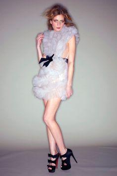 Marchesa Fall 2010 Ready-to-Wear Fashion Show - Anna Iaryn
