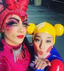 Nagyon menő Tóth Gabi sárkányjelmeze!!! Az énekesnő a Shrek című mese musical változatának próbáiról posztolta ezt a fotót.