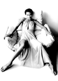 Harpers Bazaar US March 1994 - Shalom Harlow by Mario Testino Mario Testino, Shalom Harlow, David Lachapelle, Terry Richardson, Black And White Design, Black White Photos, Harper's Bazaar, Lingerie Shoot, Look Into My Eyes