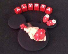 Fondant rosa Minnie mouse de la torta del por evynisscaketopper