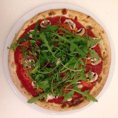 Mittagessen ruft! heute gibts vegane Pizza! und bei euch so?