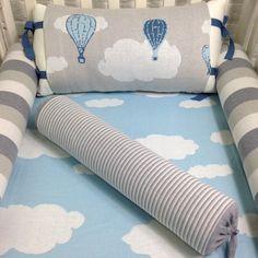Kit berço 5 peças em tricot nuvens e balões (tons de azul e cinza) - PiLuLiTo