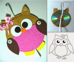 Κατασκευή: Κουκουβάγια απόCD! Kids Rugs, Crafts, Character, Home Decor, Decoration, Dekoration, Manualidades, Decoration Home, Kid Friendly Rugs