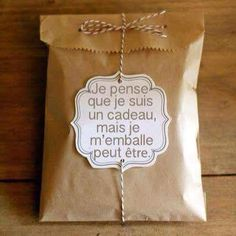 The post appeared first on Cadeau ideeën. Homemade Gifts, Diy Gifts, Diy Cadeau, Diy Presents, Little Gifts, Envelopes, Christmas Time, Diy And Crafts, Wraps