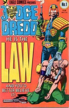 El Juez Dredd es… ¡¡LA LEY!! Portada de Brian Bolland.