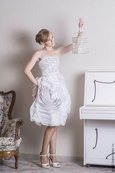 Одежда и аксессуары ручной работы. Ярмарка Мастеров - ручная работа. Купить Свадебное платье класса Люкс. Handmade. Белый, люверсы