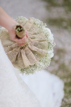 So simple and beautiful: burlap and Queen Anne's lace. Makes me think of you, @Kelsey West More