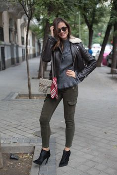 aviator leather jacket looks - Lady Addict. Grey sweater+khaki skinny jeans+black ankle boots+chocolate brown aviatorn leather jacket with fleece+beige Gucci Dionysus chain shoulder bag+sunglasses. Fall Outfit 2016