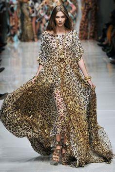 Commonwealthfashionweek: The Best Street Style Looks From Paris Fashion Week Spring 2018 Cool Street Fashion, Love Fashion, Runway Fashion, Fashion Show, Womens Fashion, Purple Fashion, Paris Fashion, Leopard Fashion, Animal Print Fashion