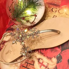 New Model Limited Edition #crystal #snowstars #caprisandals #christmasparty  #christmastime Direct or Email for info & order info@syreniacaprisandals.com ✈️FREE SHIPPNG World Wide #customerorder #natale #giftidea #handmade #madeinitaly #leather #sandaligioiello #blingbling #crystals #shoes #miami #mydubai #dubai #maldives #christmasgift #holiday #gold #swarovski #christmas #shoppingonline #love #instalike #usa #fashion #syreniacaprisandals